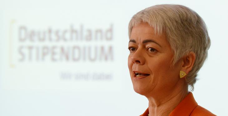 Staatssekretärin Cornelia Quennet-Thielen verlieh an ihrer Freiburger Universität zahlreiche Deutschlandstipendien. (Foto: Patrick Seeger)