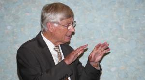Professor Dr. Josef Honerkamp