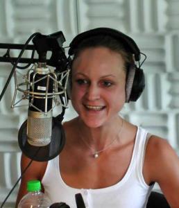 Kira Urschinger konnte dank des Deutschlandstipendiums viele Praktika absolvieren. Jetzt arbeitet sie beim SWR.