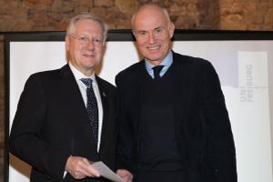 Rektor Professor Schiewer (l.) und Alnatura Gründer Rehn (r.) bei Feier der Deutschlandstipendiaten [Foto: Uwe Nössle]