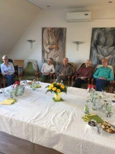Alumni des Clubs Rheinland bei einem Vortrag über Palliativmedizin. [Foto: privat]