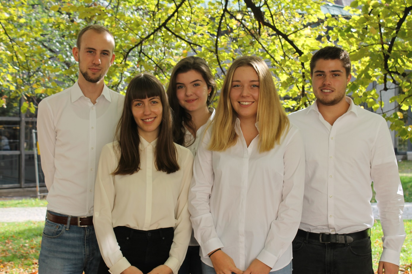 Das Freiburger Jessup Moot Court Team 2017/18: (von links nach rechts) Konstantin Sinn, Annika Härle, Victoria Kautzner, Franka Trenz und Daniel Feuerstack.