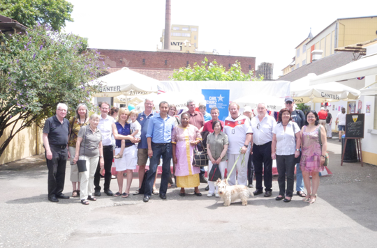 """Alumni at the """"American Barbecue"""" during the meeting"""